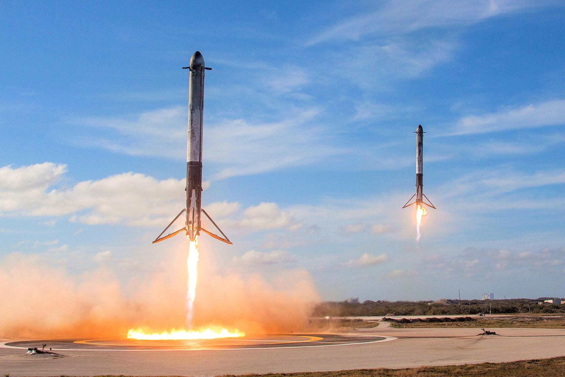 Side boosters landing
