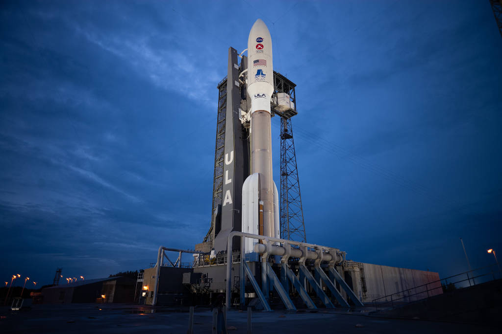 Atlas V with Mars 2020 Rover aboard on launch pad